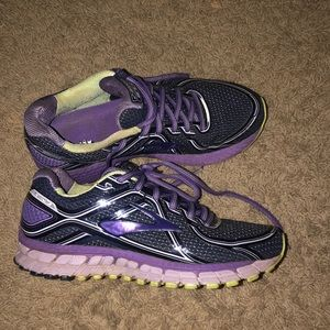 Brooks GTS running shoes